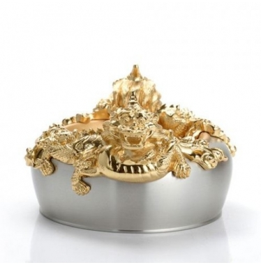 Bát rồng vàng
